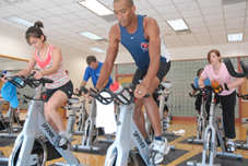 salud-spinning-cycling-group.jpg